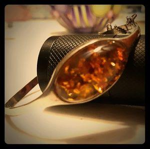 Amber bracelet set in sterling silver